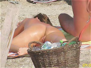 amateur nudist voyeur Beach - Mature Close Up gash