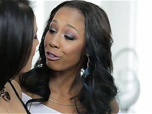 Katrina Jade gets a multiracial coochie cramming threeway