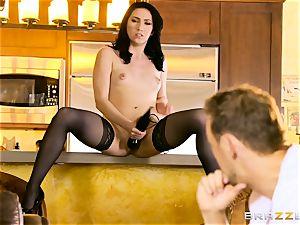 Aria Alexander pulverizes her hubbies mate