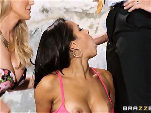 Brandi love lets ho-bo Abbey Lee Brazil penetrate her man