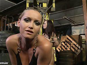 Kathia Nobili flog the tongue of bombshell woman