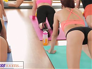 FitnessRooms incredible asses on show before girly-girl babes