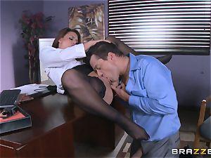 Eva Angelina gets her bosses gigantic manstick across her desk