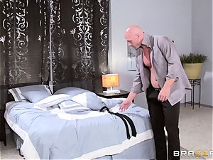 Adulterer Johnny Sins pokes his wife's boss and then his wifey Jayden Jaymes