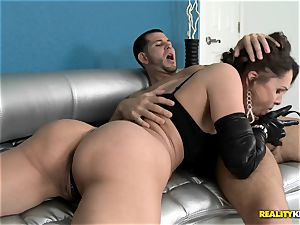 warm cougar Nora Noir rides a fortunate jizz-shotgun