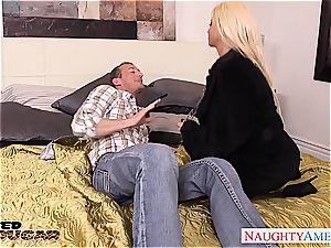 ash-blonde milf Nikita Von James drill