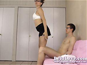 amateur lady gives him striptease then oral pleasure