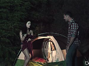teenager superslut luvs camping and outdoor banging