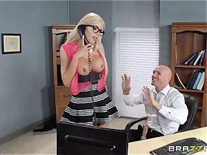 hot chief Nina Elle tempts her worker