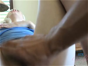 Elsa jean's perfect puss gets a ideal creampie