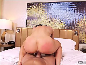 Muscle cougar unexperienced buttfuck pov and facial cumshot