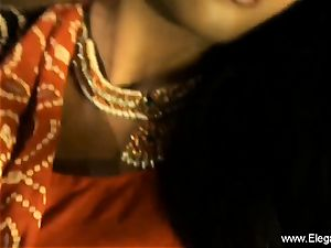 Bolly stunner Desi Indian mummy