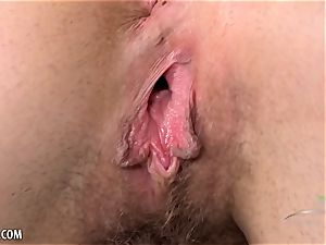 Nickey Huntsman wanks of her hairy beaver for you
