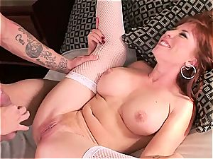 mummy maid spreads her legs for the jaw-dropping master