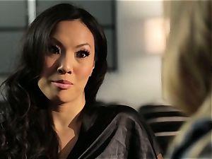 Asa Akira displays Samantha Saint a new pasttime