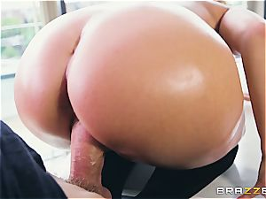 Liza Del Sierra gets her booty lubricated up and screwed by Danny D