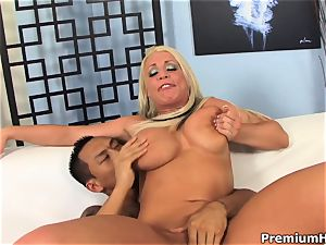 chesty ash-blonde Sadie Swede gets laid