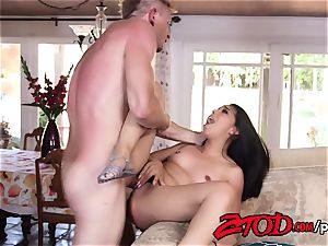 brunette Latina Jasmine Summers banged on the couch