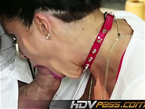 HDVPass veteran mummy Romi Rain gets nasty