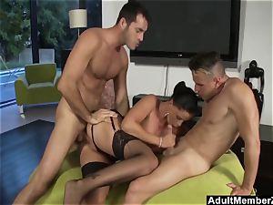Larissa Dees 3some desire plumb