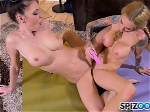 licking minge eaters Jessica Jaymes and Sarah Jessie