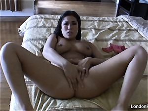 Home video onanism with London Keyes