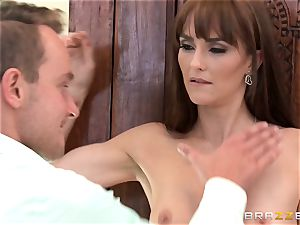 cougar Bianca Breeze gets impressive plow with huge brutha